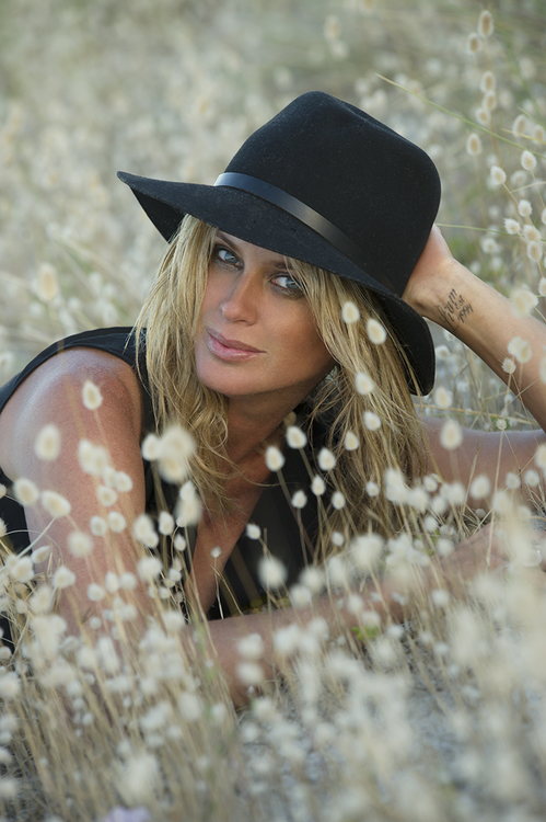 Rachel Hunter |  Photo: Monty Adams | Hair & make-up: Leisa Welsh | Styling: Briar Nevile.
